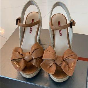 Prada Napa aviator sandal. Size 5.5